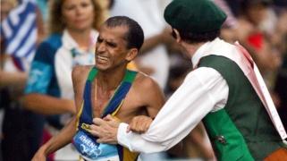 vanderlei-silva-padre-neil-horan-olimpíadas-maratona